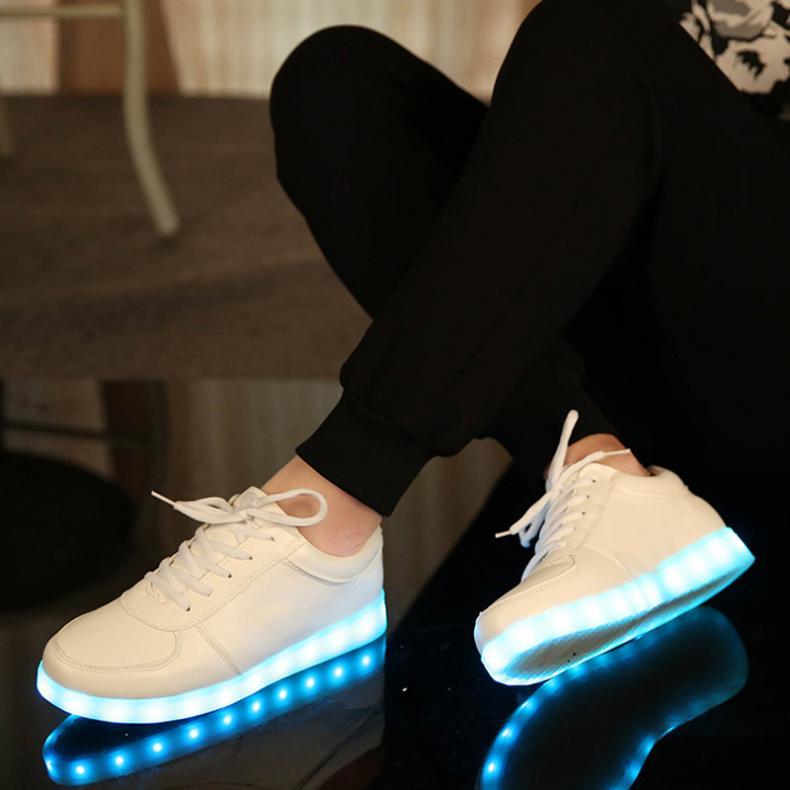 44b72d26cfe6 usb зарядки светящиеся светодиодные кроссовки для мальчика & девушки случайные  дети light up shoes младенческой 7 цветов led тапочки световой кроссовки