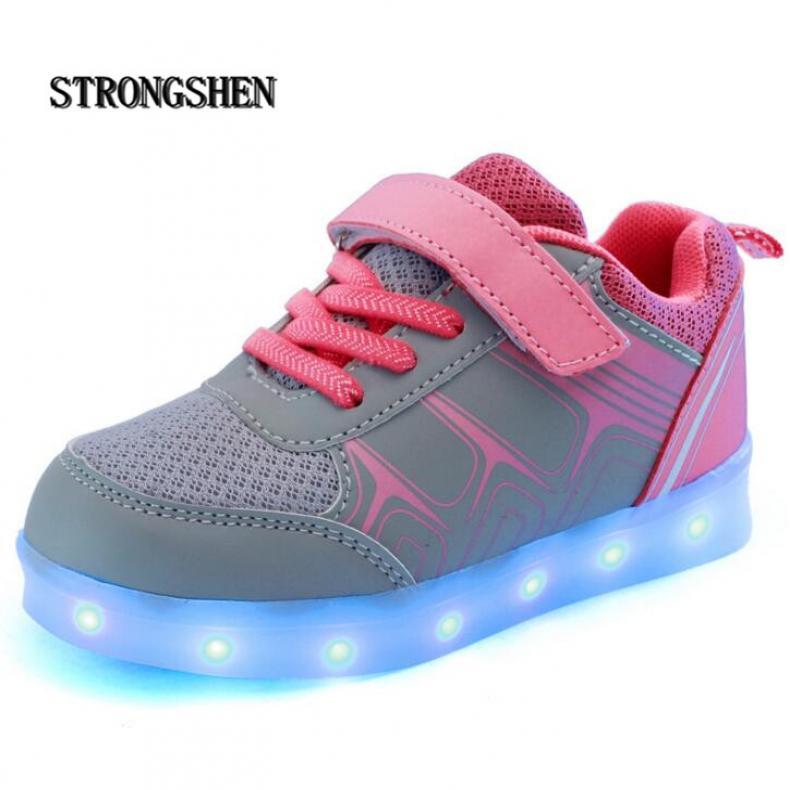 20ca9665cdc0 Новый USB зарядки Дети Кроссовки Мода Световой Подсветкой Красочные  СВЕТОДИОДНЫЕ фонари Дети Shoes Случайные Плоские Мальчик девочка Shoes